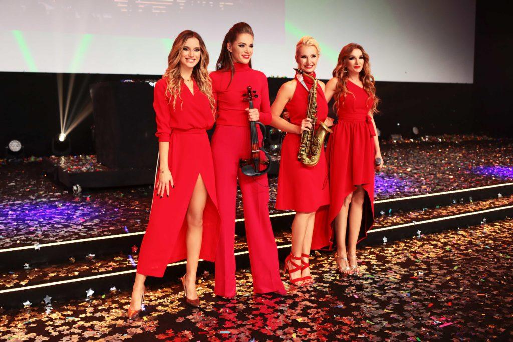 """Koncert zespołu """"LADIES OF POWER""""  na spektakularnej GALI ORIFLAME dla kilku tysięcznej widowni w MCK w Katowicach"""